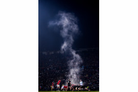 "© Stephen McCarthy (SportsFile), ""Steaming Scrum"" - II miejsce w kategorii SPORTS SINGLES / The British & Irish Lions i Maori All Blacks podczas meczu na Rotorua International Stadium (Rotorua, Nowa Zelandia)."