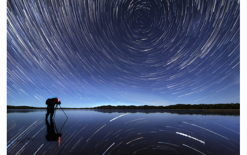 fot. James Stone, Cosmic Plughole, wyróżnienie w kategorii People and Space / Insight Investment Astronomy Photographer of the Year 2019