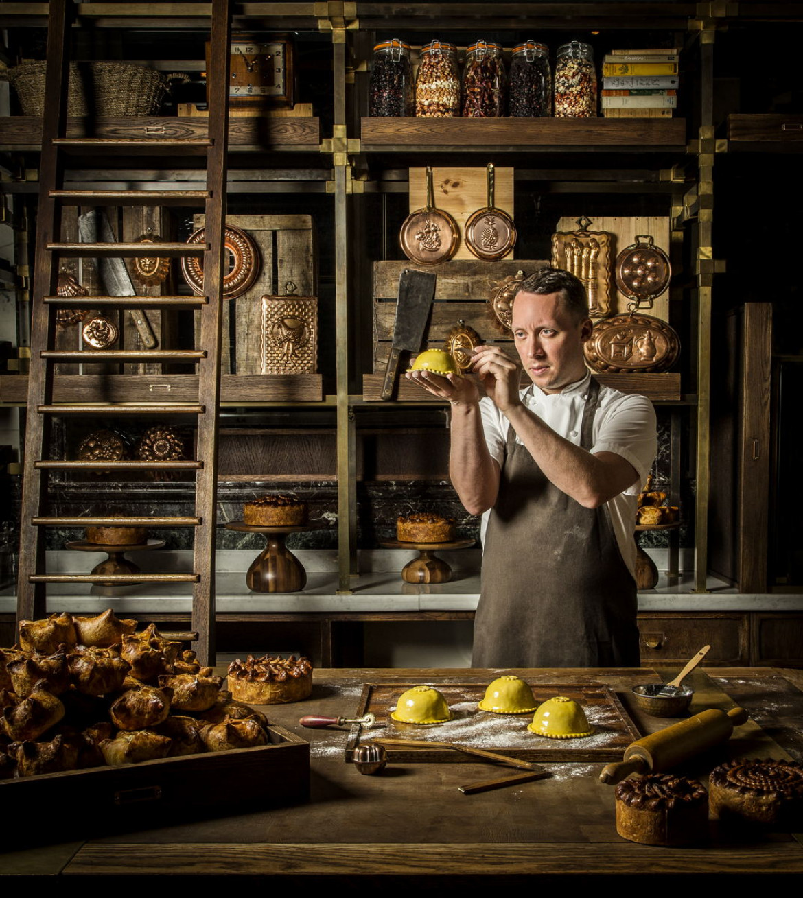"fot. John Carey, ""Calun in his Pie Room"", 1. miejsce w kategorii The Philip Harben Award for Food in Action"