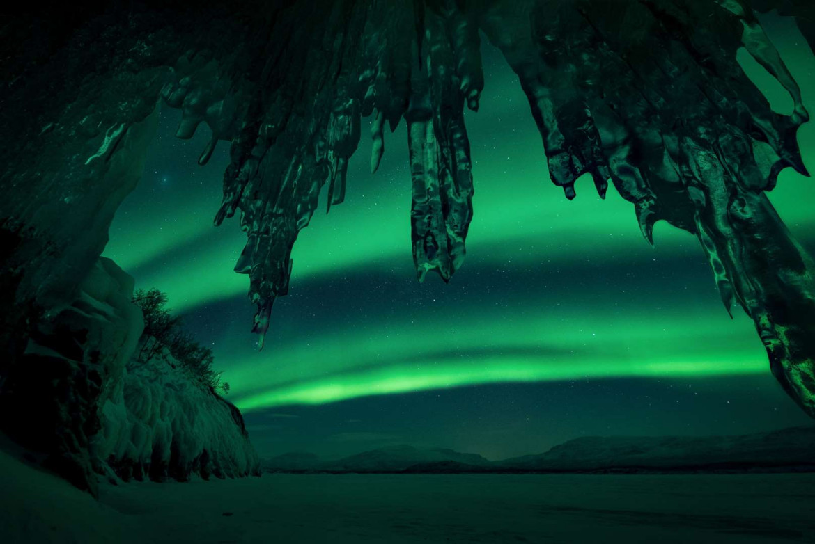 "fot. Arild Heitman, ""Ice Castle"" / Insight Investment Astronomy Photographer of the Year 2018"