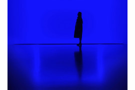 "fot. Zhang Yihan, ""Blue"", 1. miejsce w kategorii Silhouettes / Mobile Photography Awards 2018"