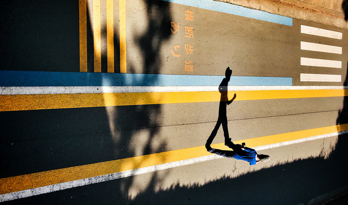 "fot. Laurence Bouchard, ""Running on Empty"", 1. miejsce w kategorii Street / Mobile Photography Awards 2018"
