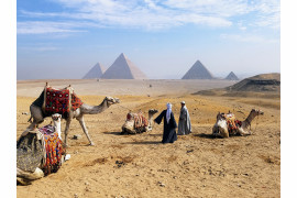 "fot. Luis Figueroa, ""Giza Pyramids"", 1. miejsce w kategorii Travel & Adventure / Mobile Photography Awards 2018"