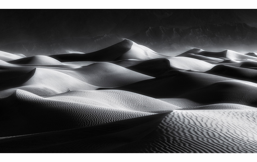 fot. Chen Su, Light and shadows, 2. nagroda w kategorii Landscapes / Monovisions Photography Awards 2019