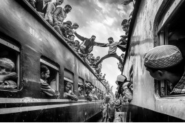 "fot. David Nam Lip Lee, ""Time to Rush Home"", 2. nagroda w kategorii Travel / Monovisions Photography Awards 2019"