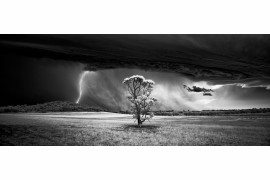 fot. Luke Tscharke - 1. miejsce w kategorii Landscape Photography oraz tytuł Monochrome Photographer of the Year 2015 (Professional)