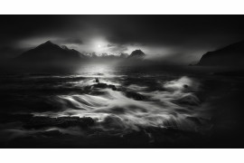 "fot. Veselin Atanasov, z cyklu ""The dramatic weather in nothern Scotland"", 2. nagroda w kategorii Landscapes / Monovisions Photography Awards 2019"