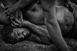 "fot Mauro De Bettio, ""Pain Passion"", wyróżnienie w kategorii People / Urban Photo Awards 2019"