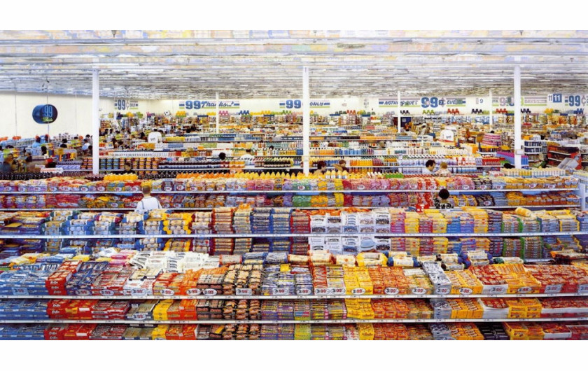 "fot. Andreas Gursky, ""99 Cent"", 2001"