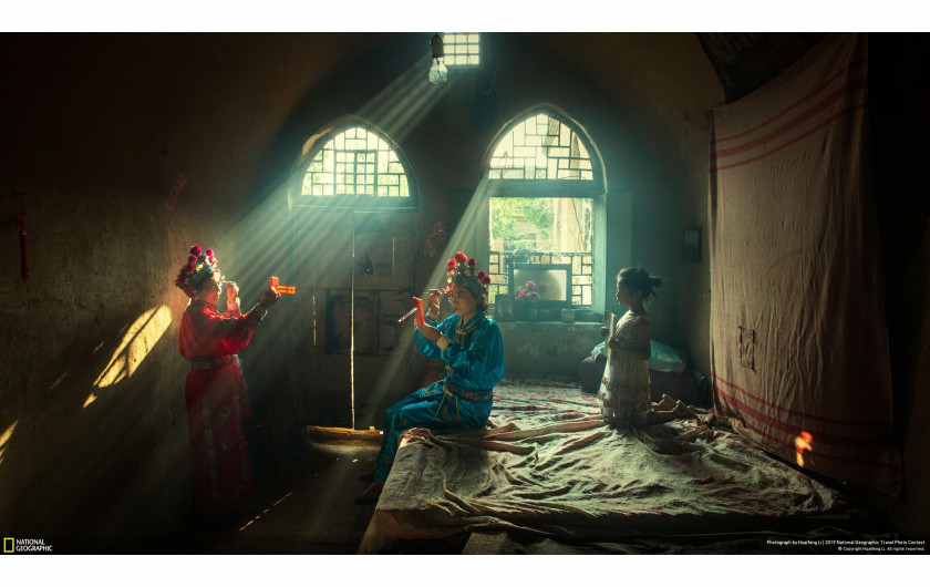 Huaifeng Li, SHOWTIME - I miejsce w kategorii People | National Geographic Travel Photographer of the Year 2019