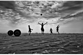 "fot. Md Huzzatul Mursalin, III miejsce w kategorii ""Jump For Joy"" Siena International Photo Awards 2019"