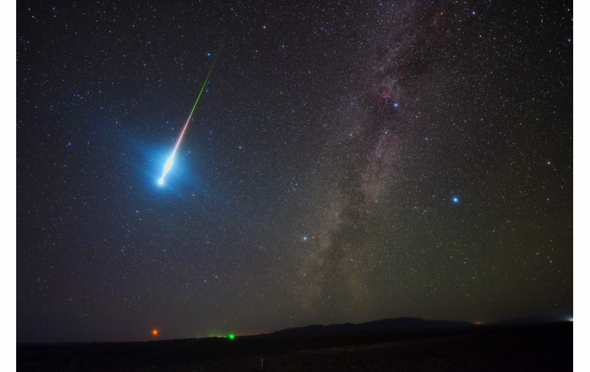 fot. Zhengye Tang, The Perseid Fireball 2018 / Insight Investment Astronomy Photographer of the Year 2019