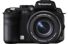 Fujifilm FinePix S9500 - 9 MP, 10.7x zoom