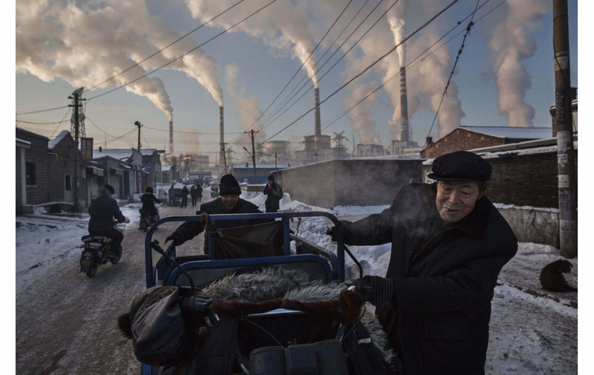 1. miejsce w kategorii Daily Life, fot. Kevin Frayer, China's Coal Addiction