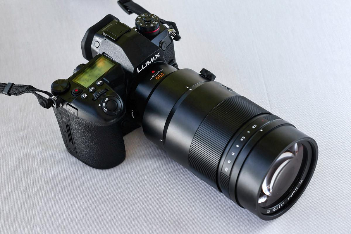 Panasonic Leica Dg Elmarit 200 Mm F 28 Power Ois Profesjonalne 200mm Lens Kropk Nad I Wydaje Si Wprowadzenie Do Oferty Profesjonalnych Obiektyww Dugoogniskowych Kluczowych W Pracy Zawodowych Reporterw Fotografw Sportu